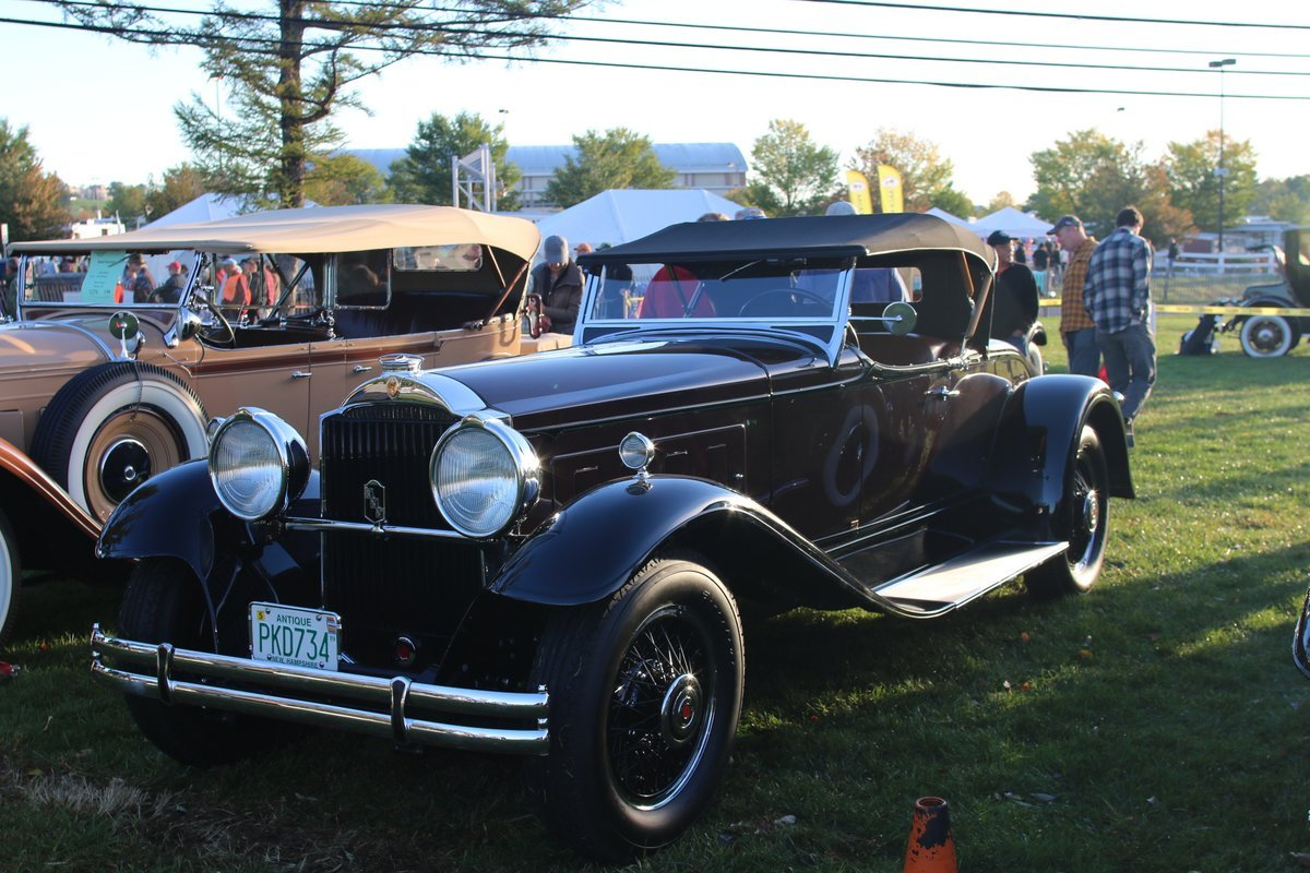 2015_AACA_Hershey_Fall_Meet_Car_Show-010