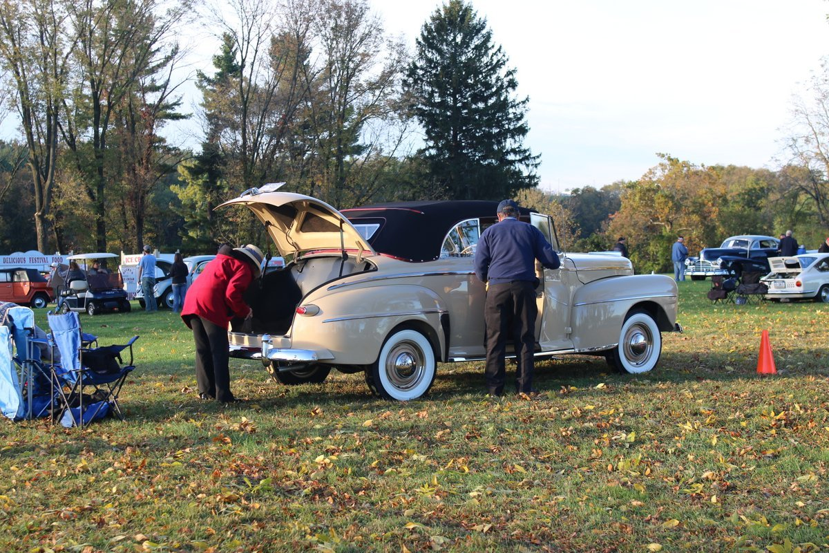 2015_AACA_Hershey_Fall_Meet_Car_Show-012