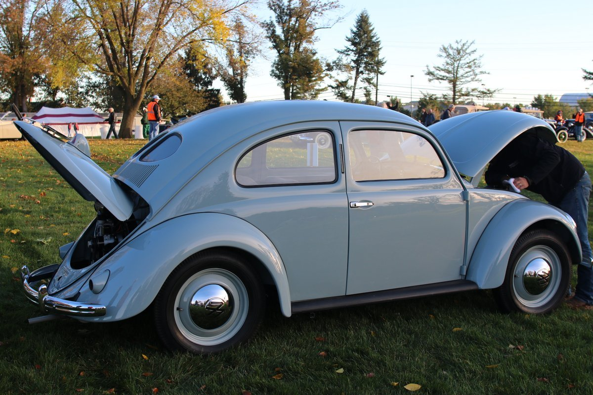 2015_AACA_Hershey_Fall_Meet_Car_Show-016