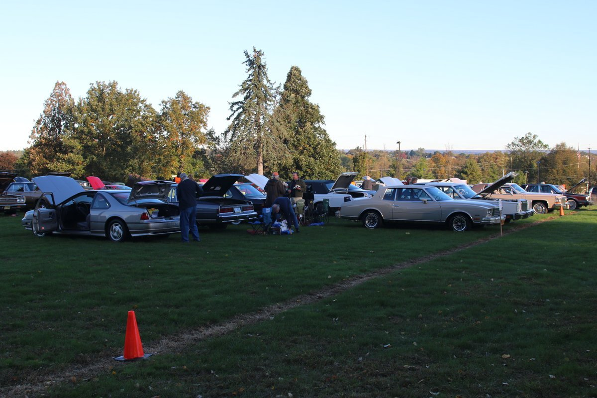 2015_AACA_Hershey_Fall_Meet_Car_Show-018