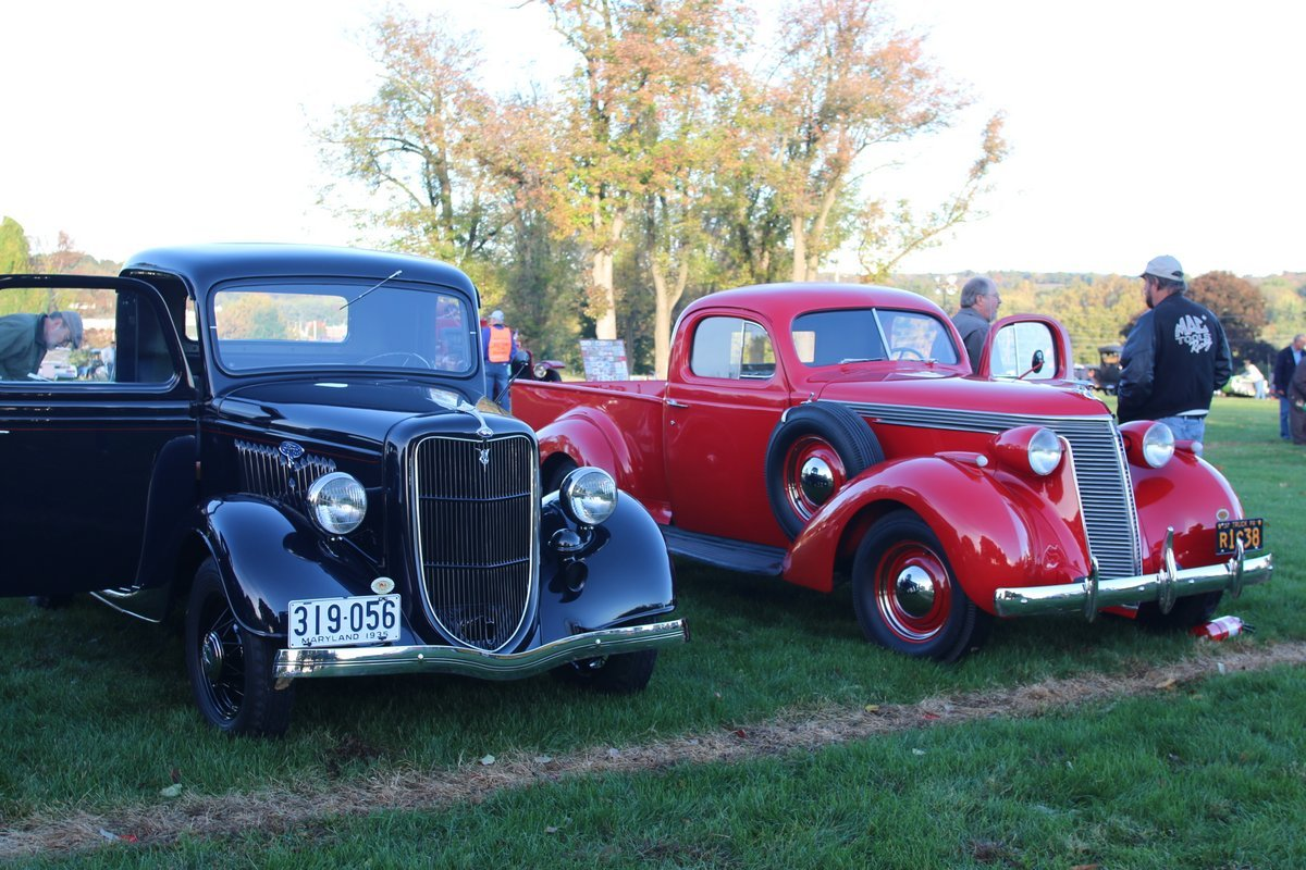 2015_AACA_Hershey_Fall_Meet_Car_Show-022
