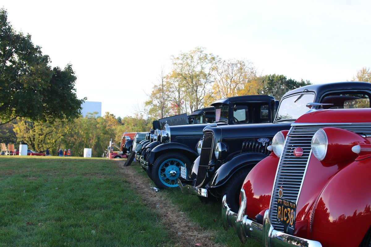 2015_AACA_Hershey_Fall_Meet_Car_Show-023