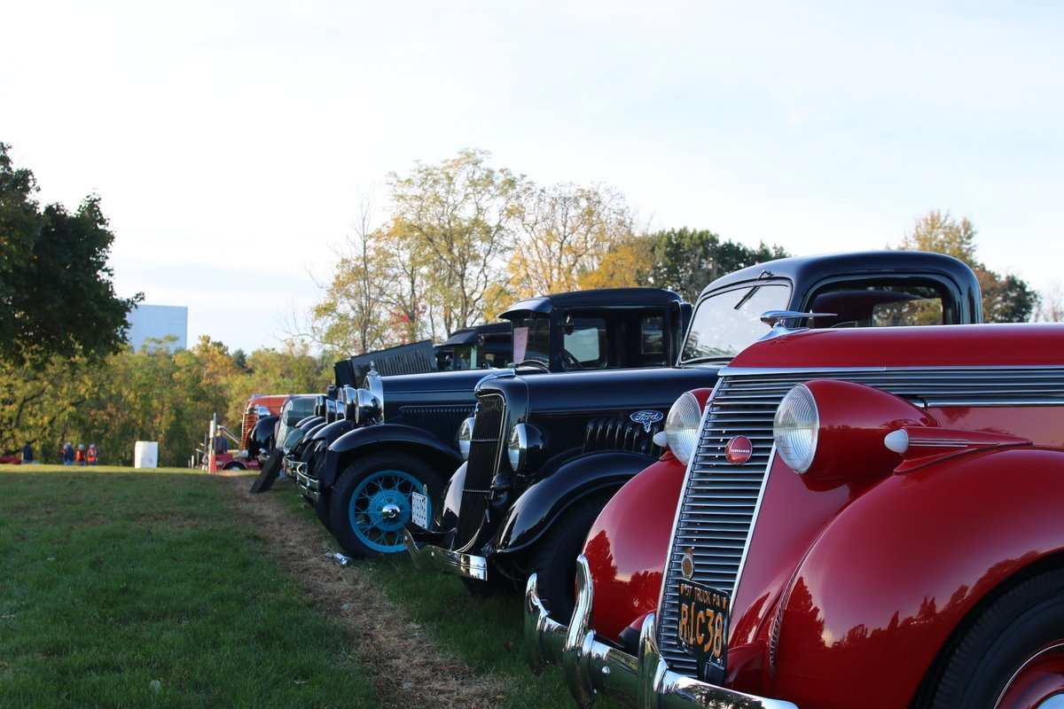 2015_AACA_Hershey_Fall_Meet_Car_Show-024