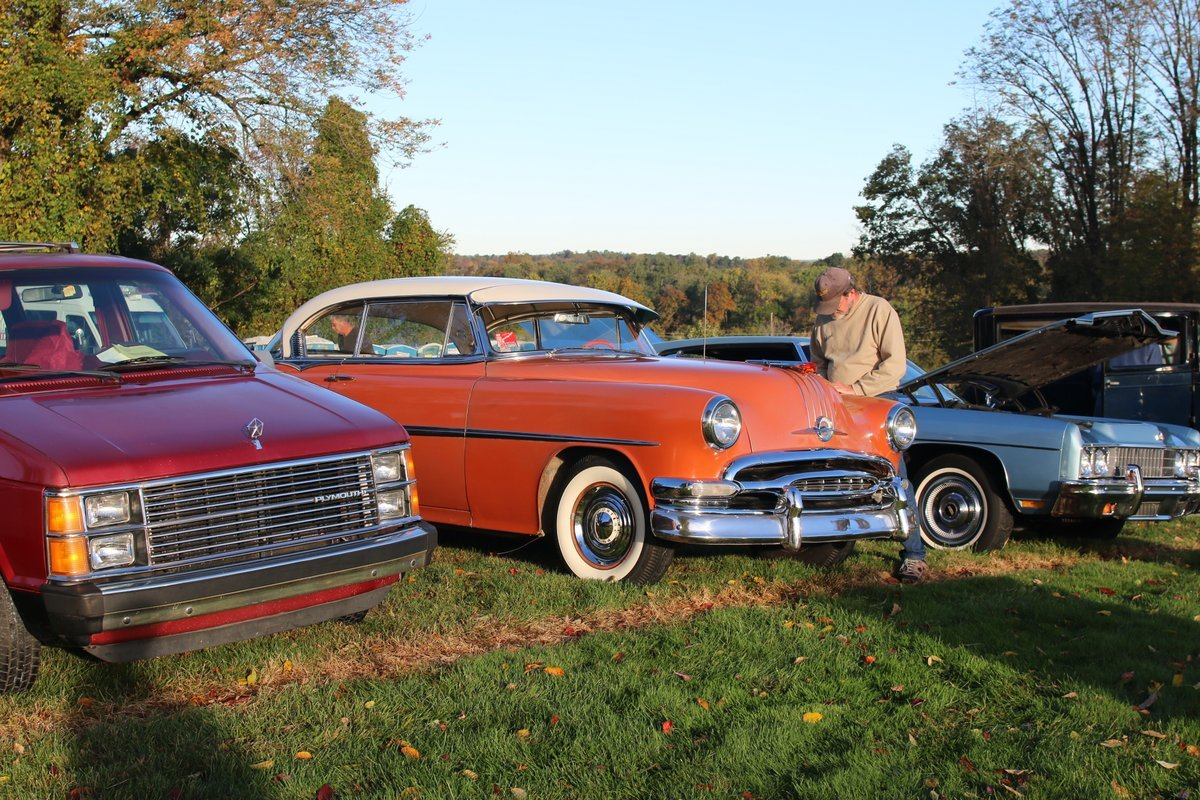 2015_AACA_Hershey_Fall_Meet_Car_Show-030