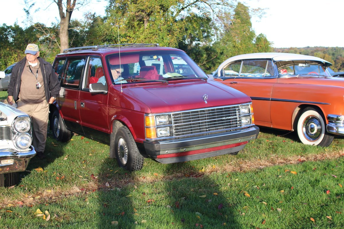 2015_AACA_Hershey_Fall_Meet_Car_Show-031