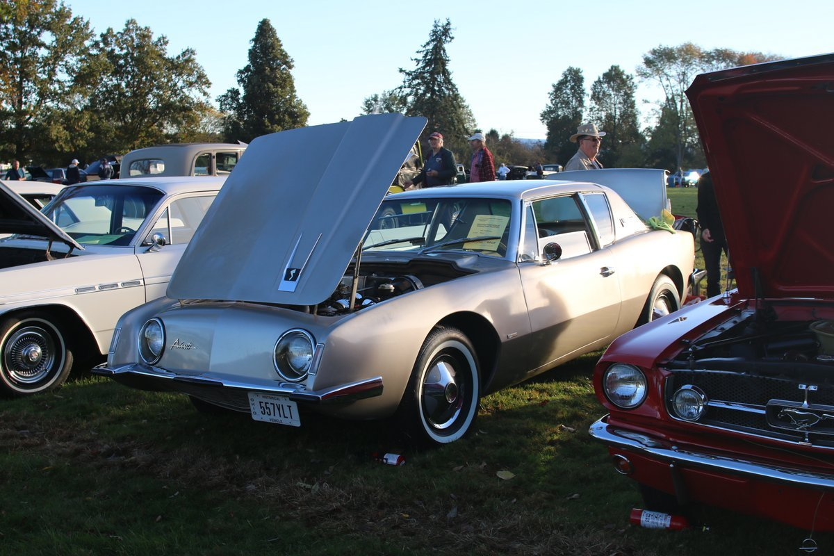 2015_AACA_Hershey_Fall_Meet_Car_Show-034