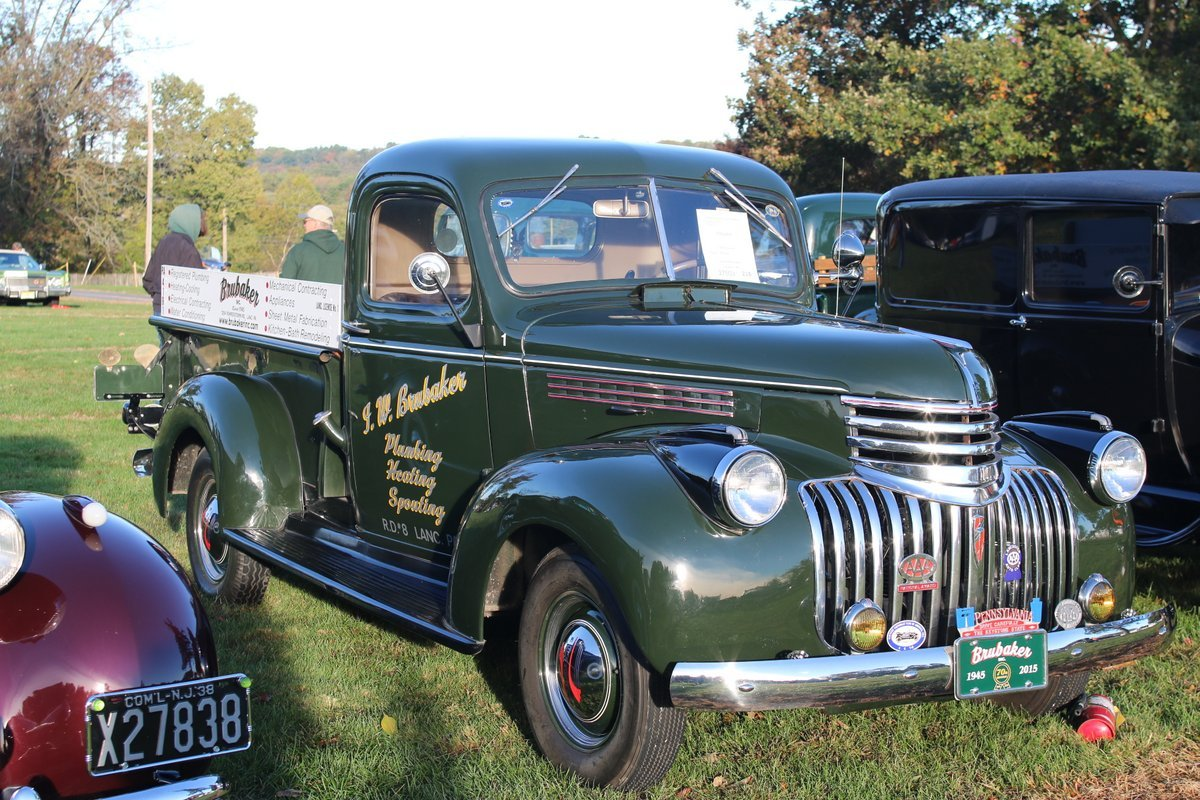 2015_AACA_Hershey_Fall_Meet_Car_Show-037