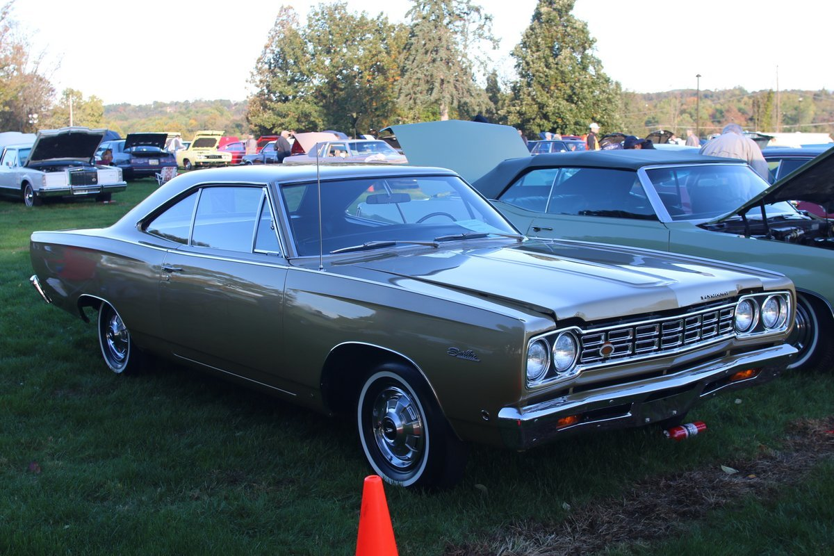 2015_AACA_Hershey_Fall_Meet_Car_Show-040