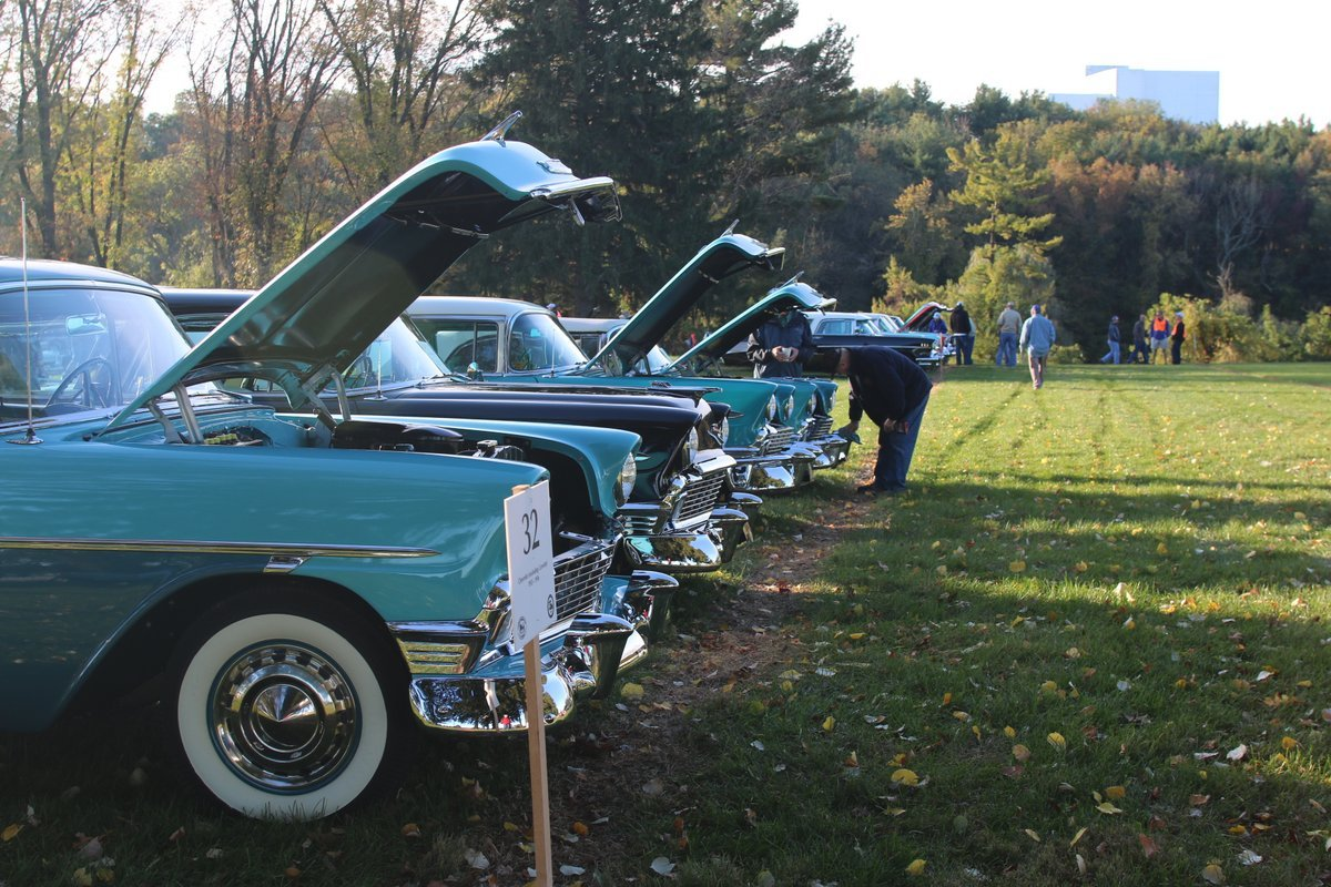2015_AACA_Hershey_Fall_Meet_Car_Show-041