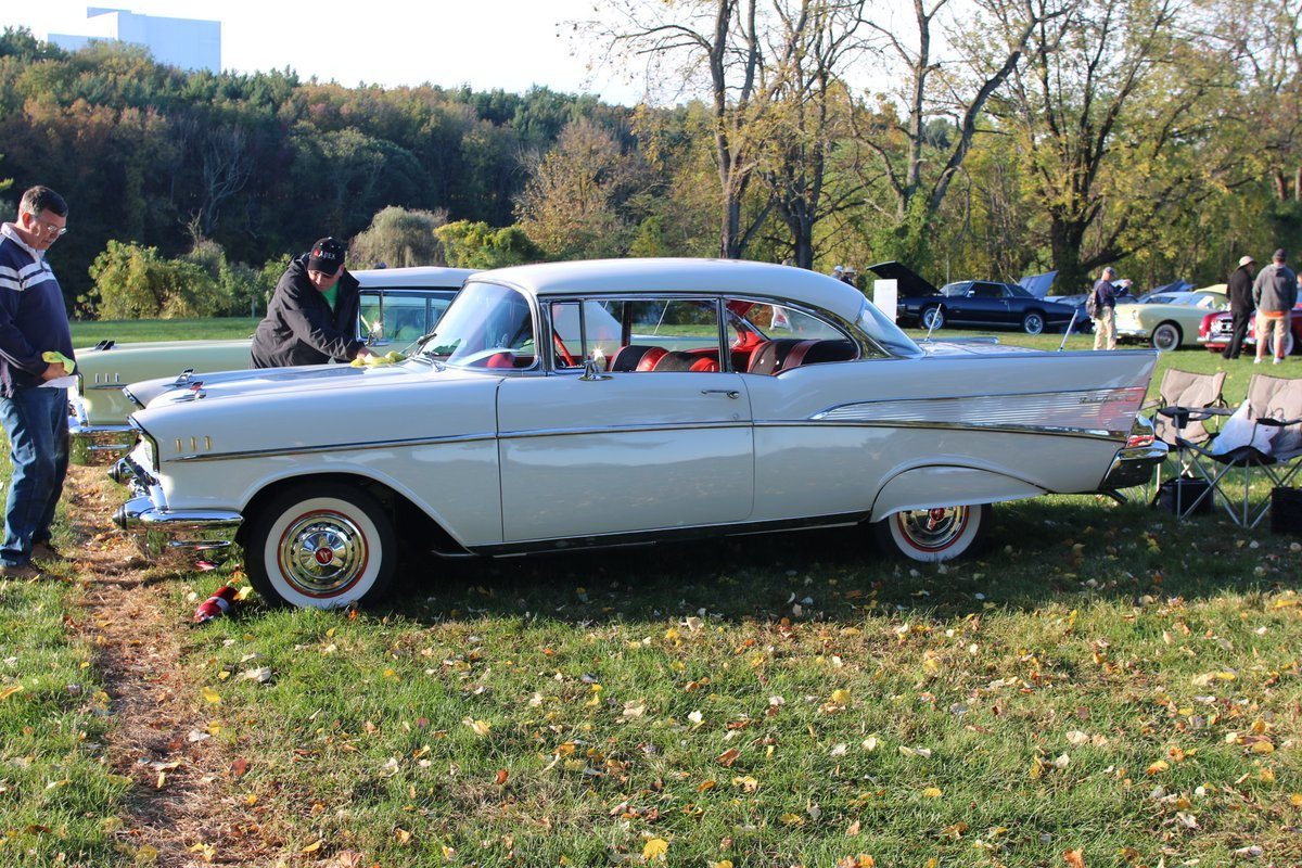 2015_AACA_Hershey_Fall_Meet_Car_Show-042