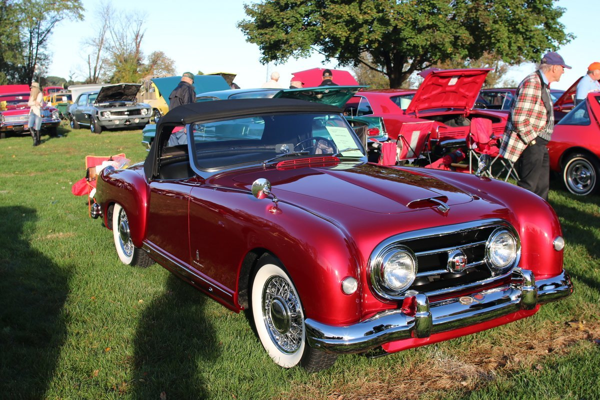 2015_AACA_Hershey_Fall_Meet_Car_Show-047
