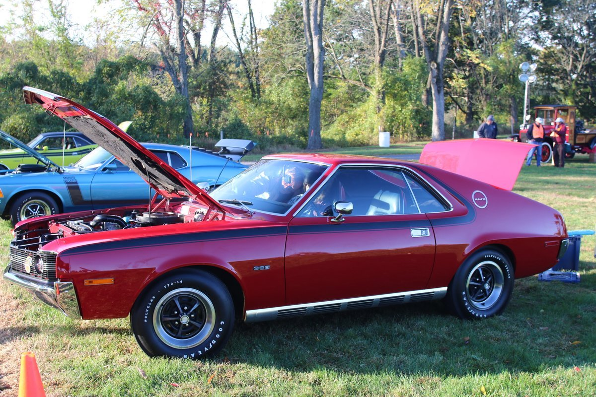 2015_AACA_Hershey_Fall_Meet_Car_Show-049