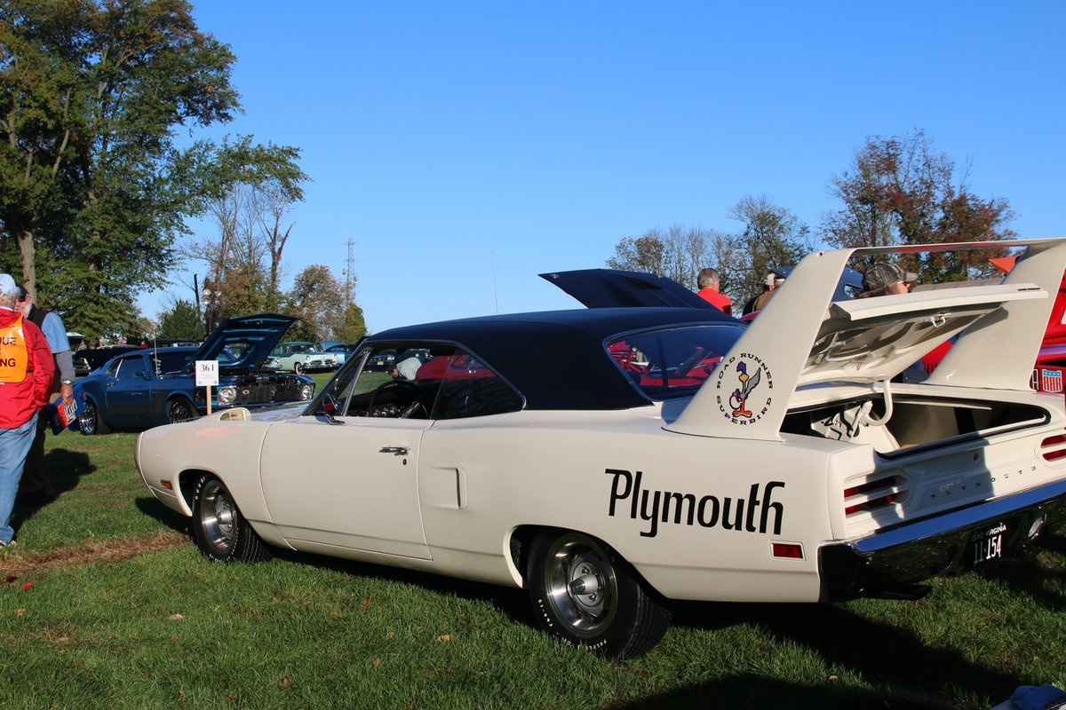 2015_AACA_Hershey_Fall_Meet_Car_Show-050