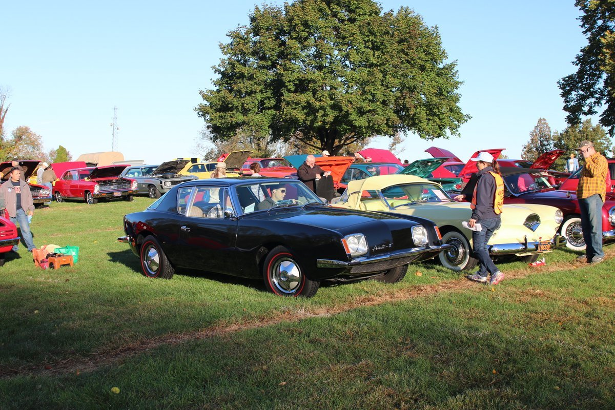 2015_AACA_Hershey_Fall_Meet_Car_Show-051