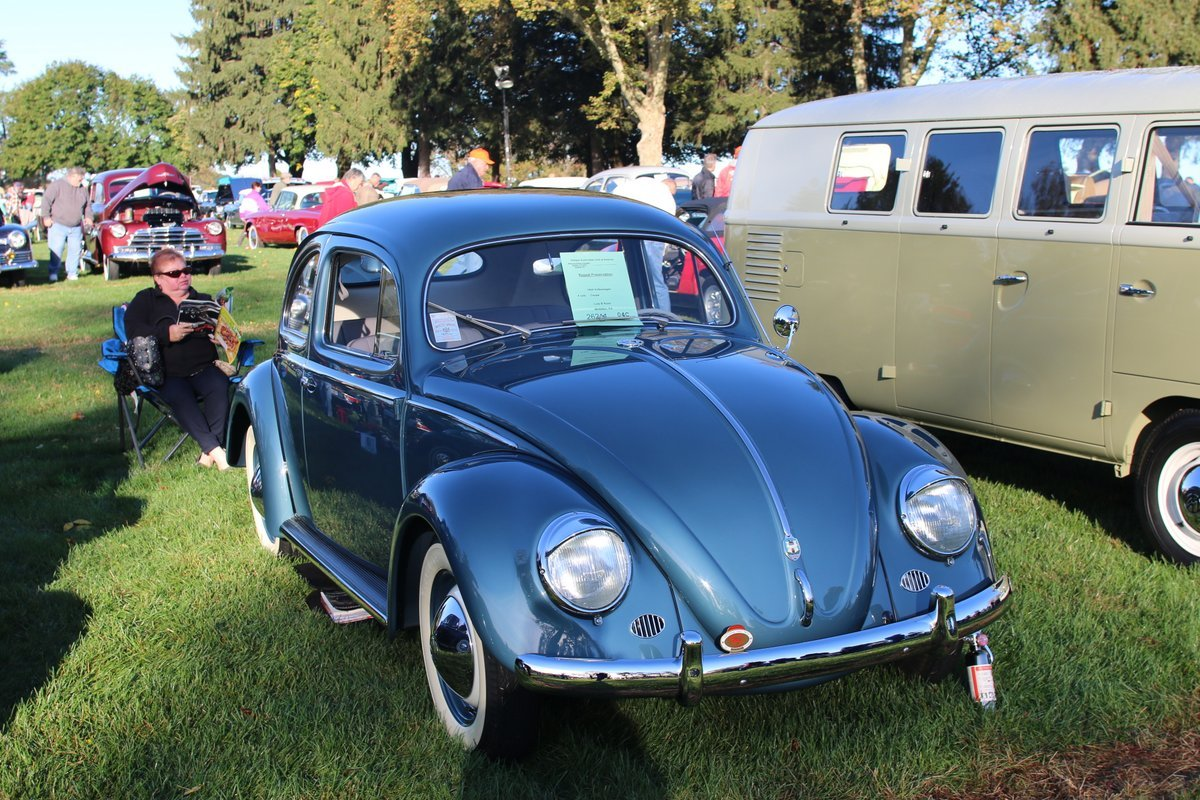 2015_AACA_Hershey_Fall_Meet_Car_Show-056