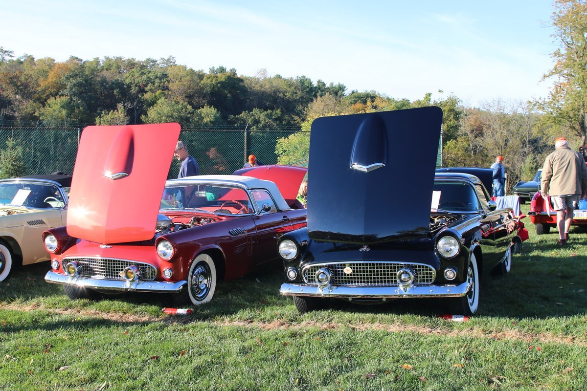 2015_AACA_Hershey_Fall_Meet_Car_Show-057