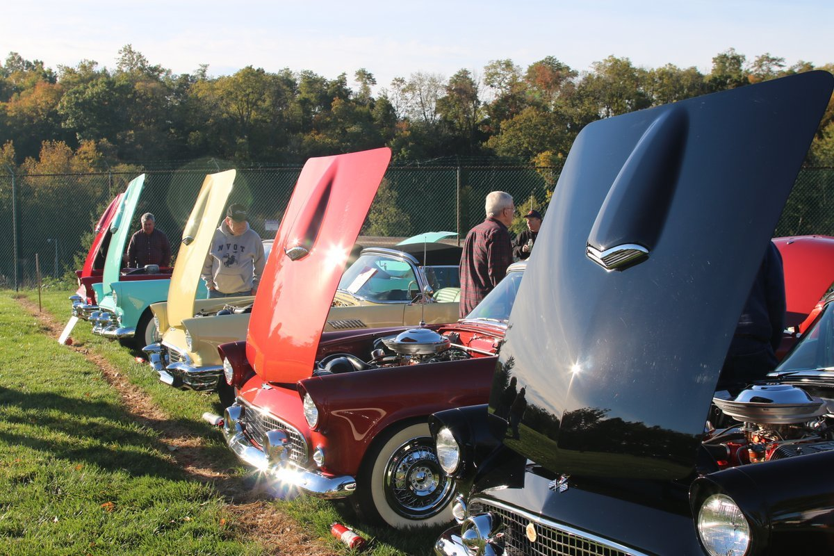 2015_AACA_Hershey_Fall_Meet_Car_Show-060