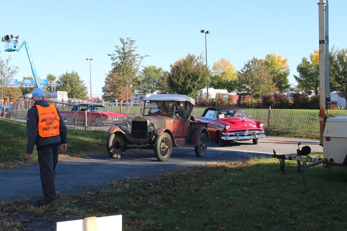 2015_AACA_Hershey_Fall_Meet_Car_Show-061