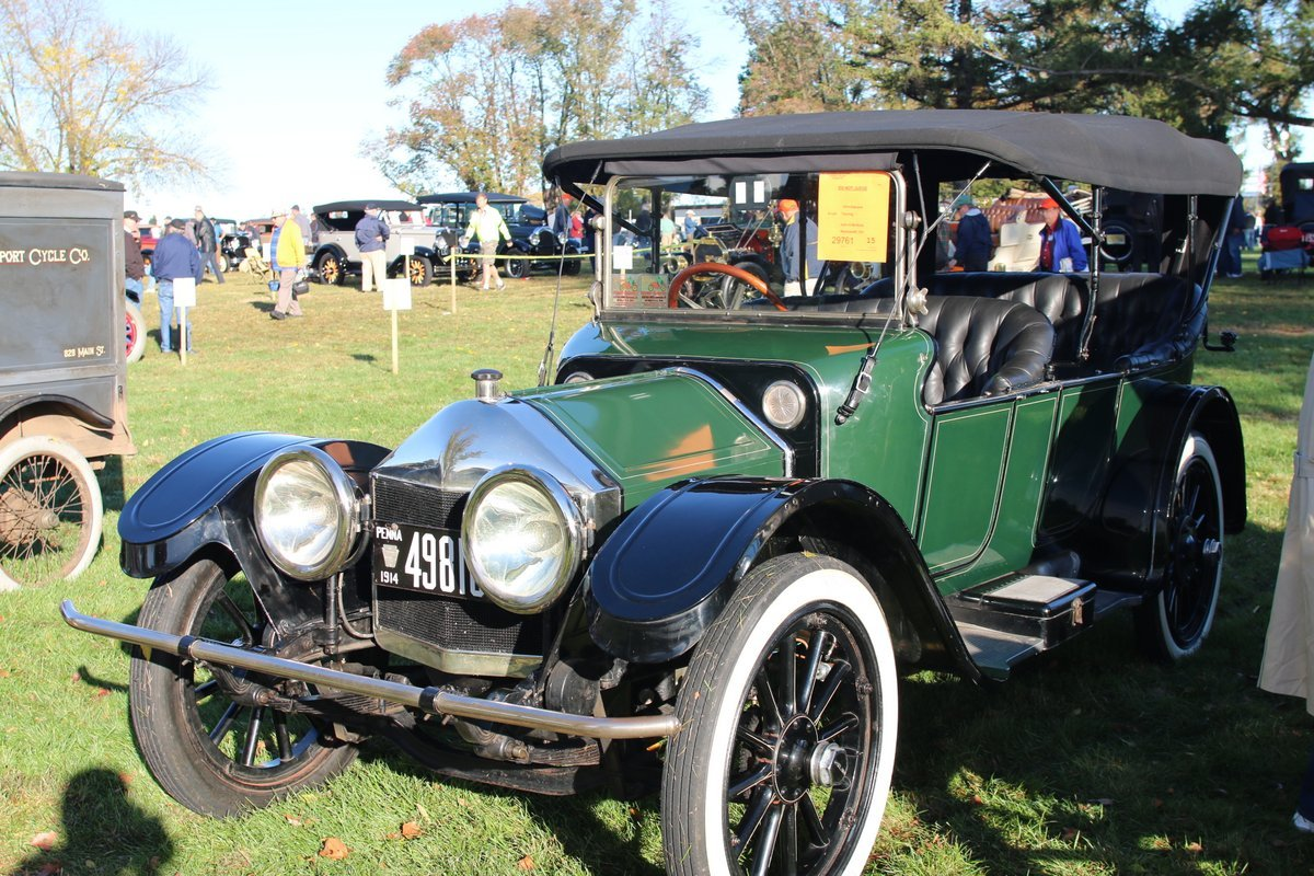 2015_AACA_Hershey_Fall_Meet_Car_Show-063