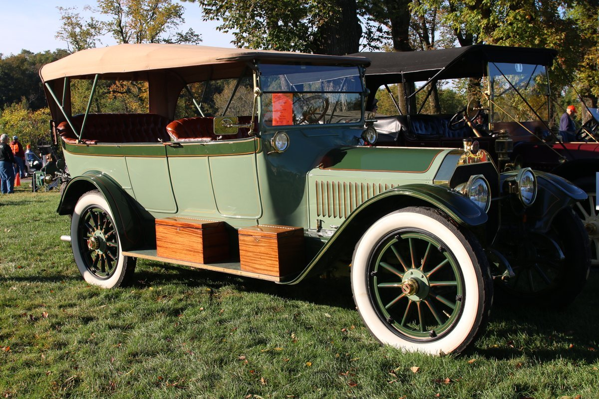 2015_AACA_Hershey_Fall_Meet_Car_Show-066