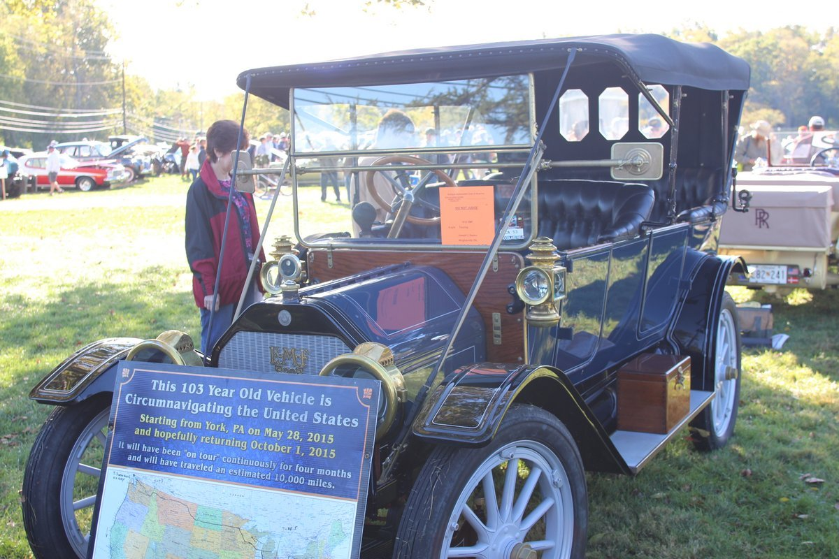 2015_AACA_Hershey_Fall_Meet_Car_Show-076