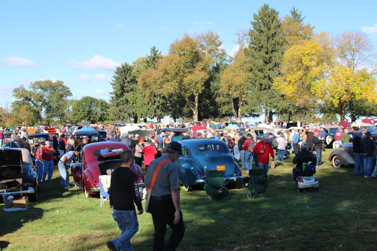 2015_AACA_Hershey_Fall_Meet_Car_Show-078