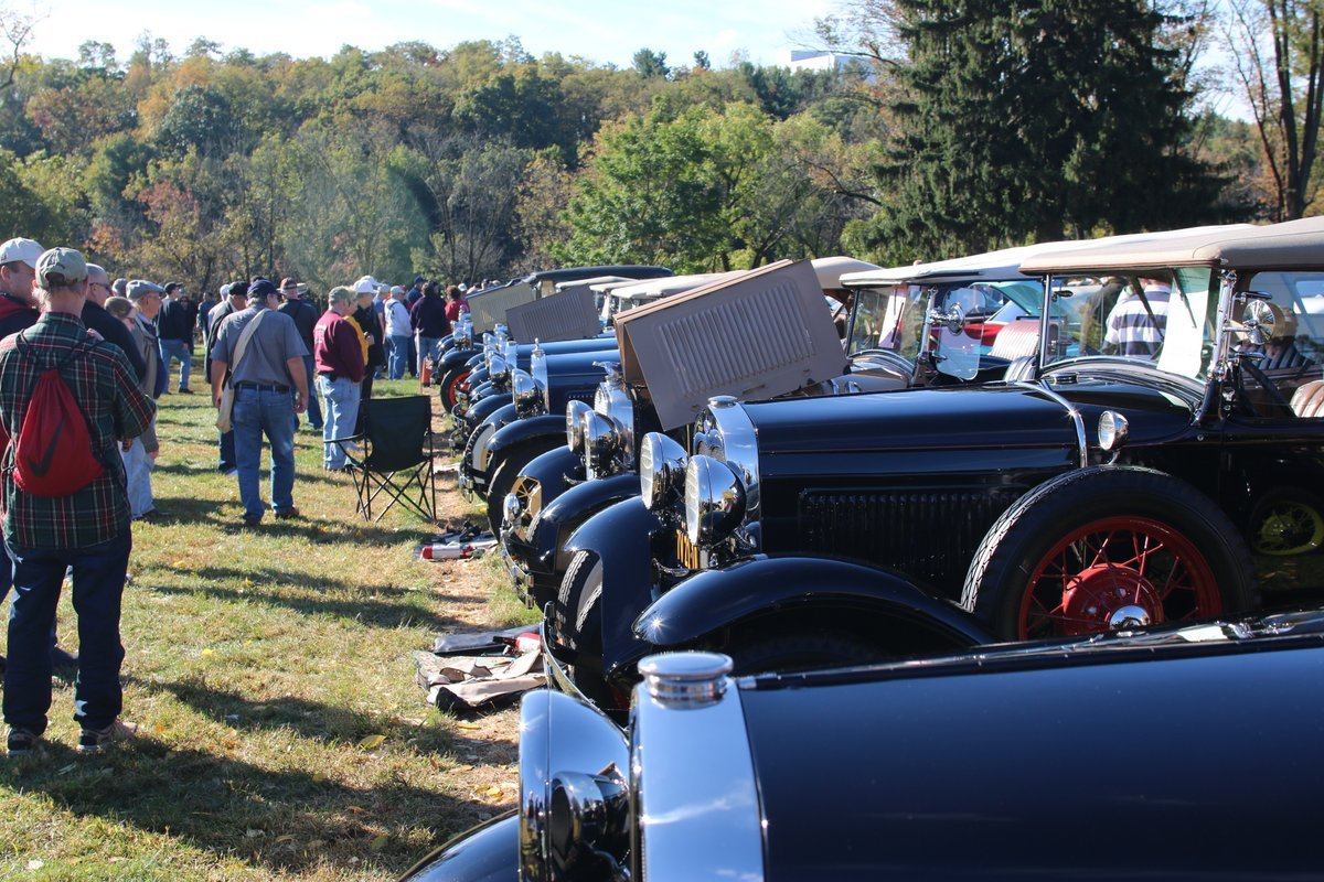 2015_AACA_Hershey_Fall_Meet_Car_Show-082
