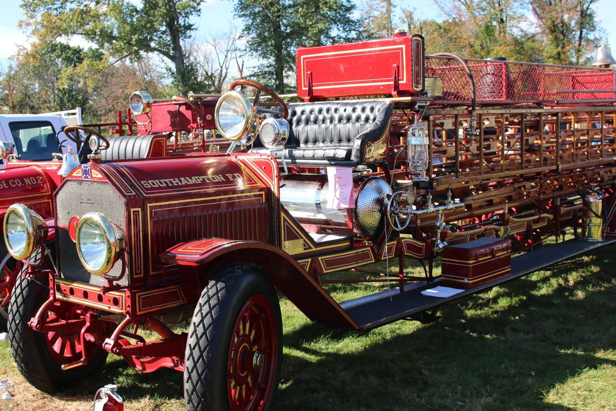 2015_AACA_Hershey_Fall_Meet_Car_Show-096