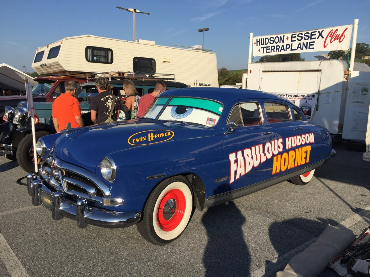 Thursday_2015_AACA_Hershey_Fall_Meet-009