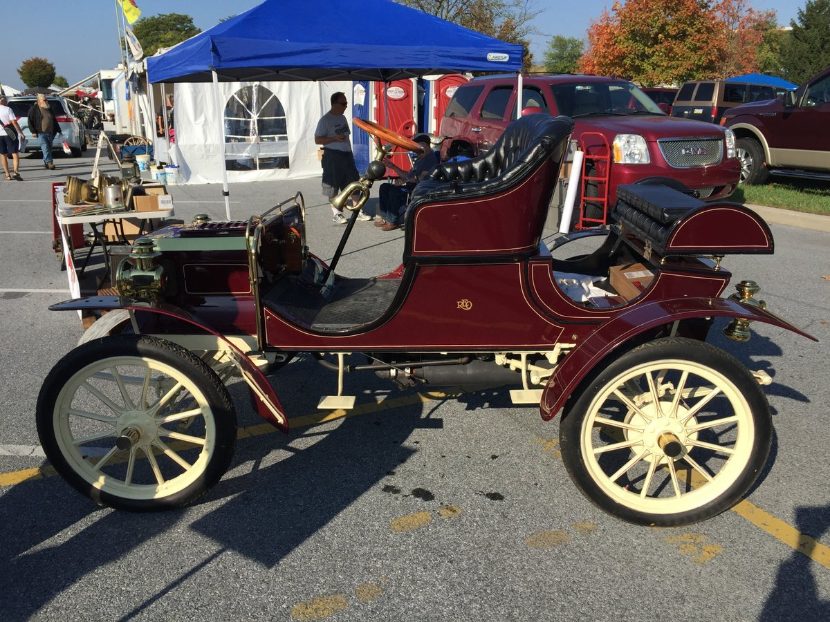 Thursday_2015_AACA_Hershey_Fall_Meet-016