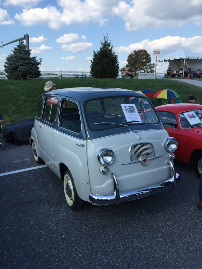 Thursday_2015_AACA_Hershey_Fall_Meet-040
