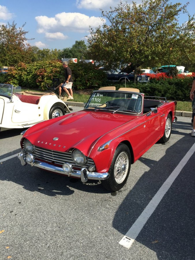 Thursday_2015_AACA_Hershey_Fall_Meet-051