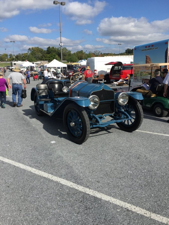 Wednesday_2015_AACA_Hershey_Fall_Meet-008
