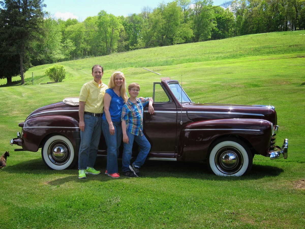 1946 Ford Super Deluxe Convertible Coupe - Bob, Dixie & Robert